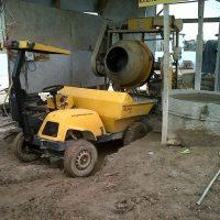 betoneira-descarregando-rampa-de-elevacao2